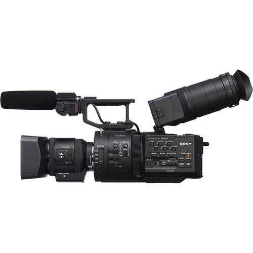 Sony NEX-FS700R Super 35 Camcorder With 18-200mm F/3.5-6.3 PZ OSS Lens